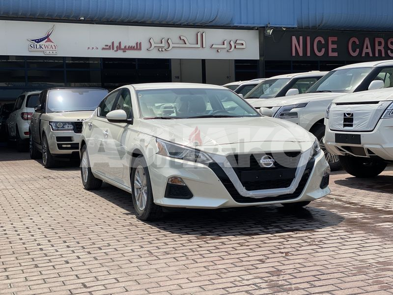 Nissan Altima S Basic Gcc 3 years local Delar warranty