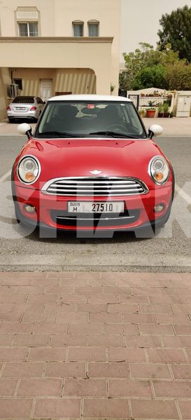 Mini Cooper(lady driven) in good condition for