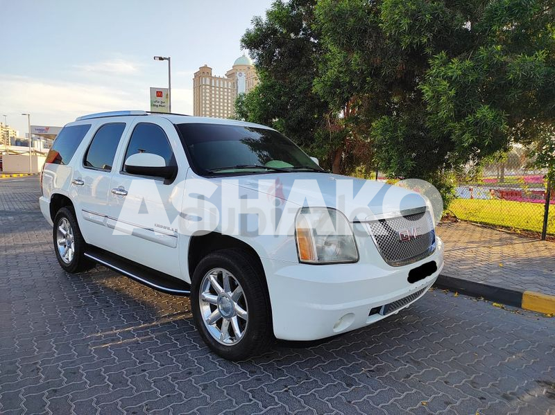 GMC Yukon Denali GCC  Less KM in very good condition owned by European expat