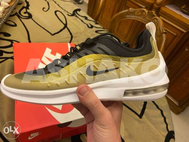 nike air max axis authentic