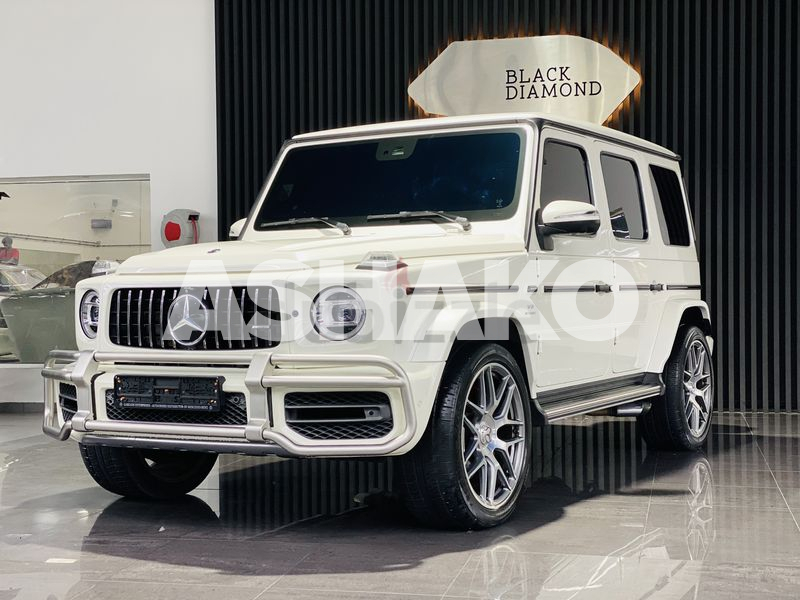 I only reply by Whatsap G63 AMG GCC under warranty in excellent condition.