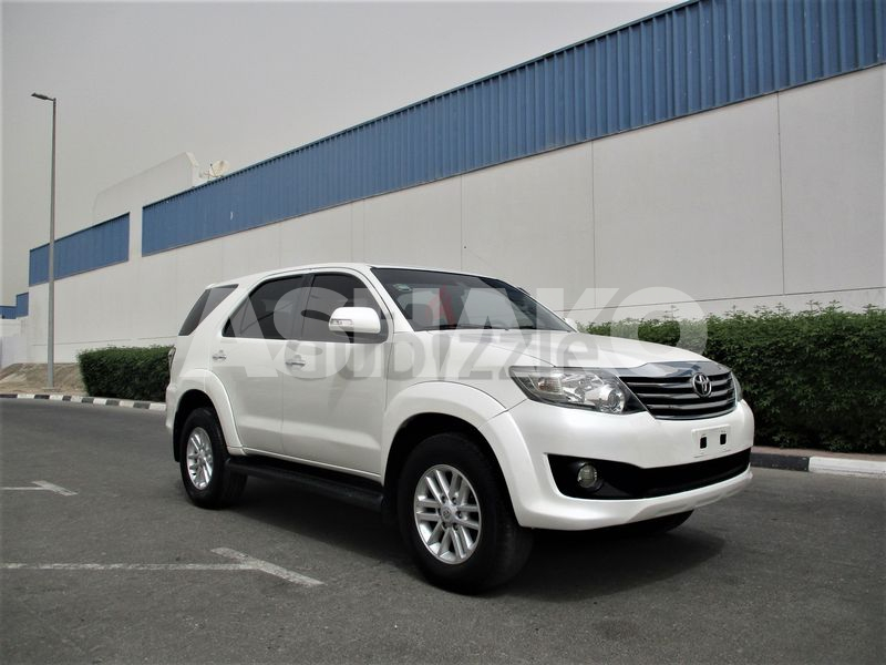 TOYOTA FORTUNER 2013 GCC V4 WITH 2.7 FULL AUTO